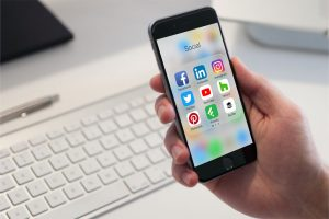 social media platforms mobile apps on iphone